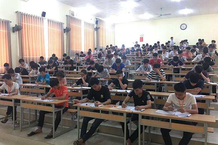 Khoa Công nghệ thông tin tổ chức kỳ thi đánh giá năng lực tiếng Anh cho sinh viên K69